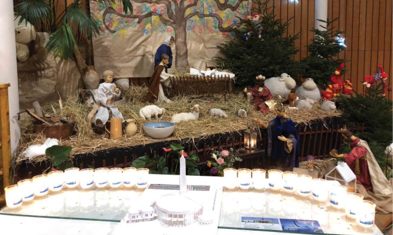 Pape François: le sapin et la crèche de Noël montrent «la